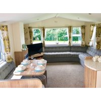 Superior Caravan - sleeps 8