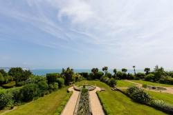 Art Deco House garden & seaview