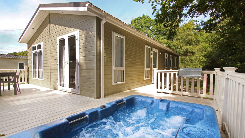 Shorefield Exterior-of-Signature-Hot-Tub-Lodge