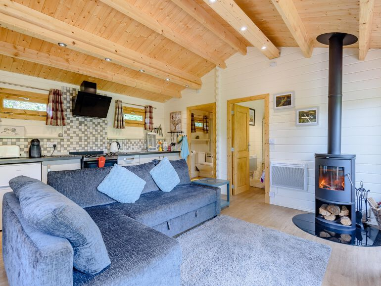Alverstone Ponds Hobbits Landing Lodge sitting room