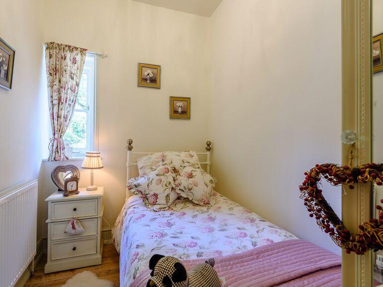 Vestry Cottage bedroom 2
