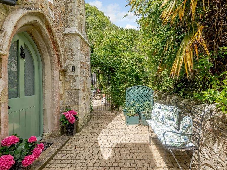Vestry Cottage side