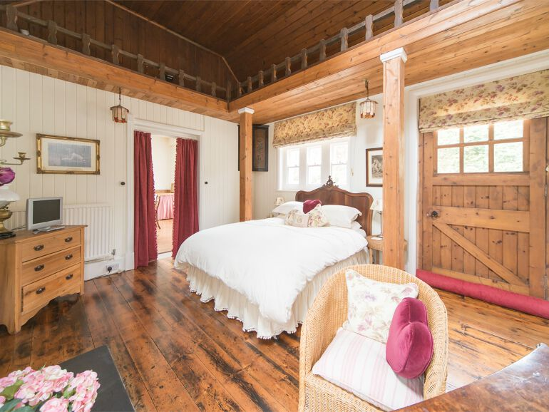 clockhouse Bedroom