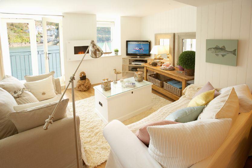 Barnacles lounge