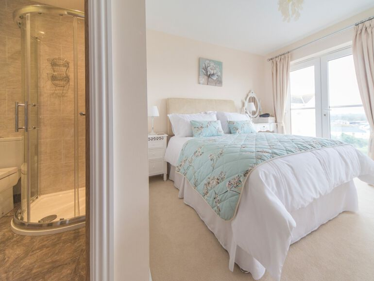 seawhisper bedroom 2