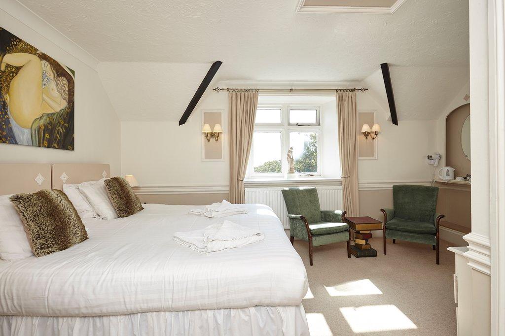 the-grange bedroom