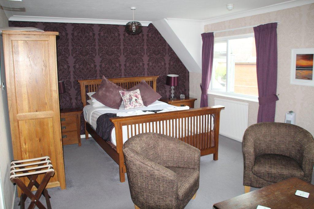 the-kenbury bedroom 3