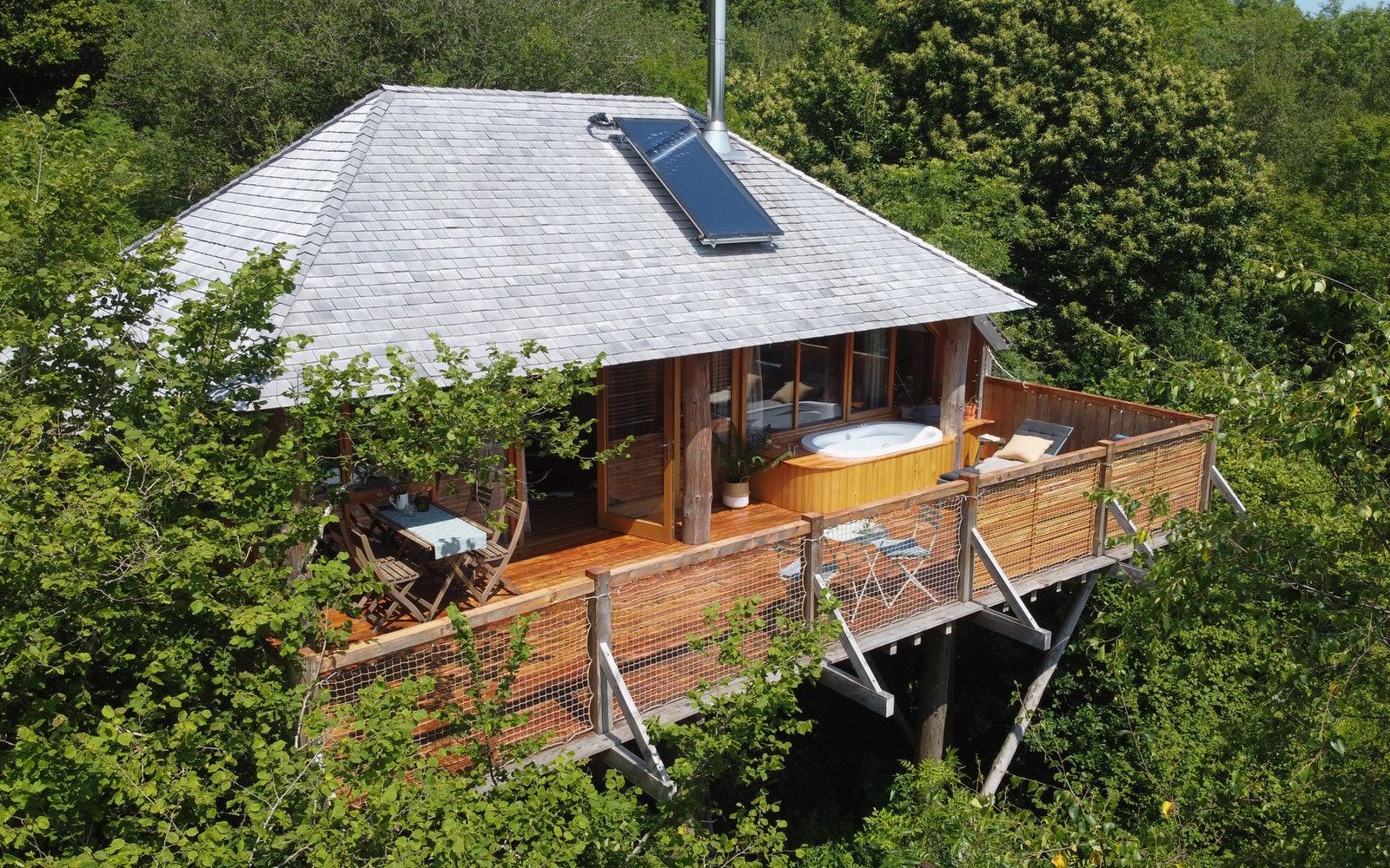 Okehampton, Devon - Wolf Wood Treehouses - Stargazer